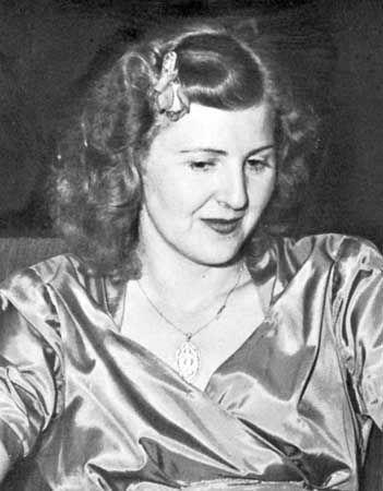 Eva Braun - Model - Biography.com