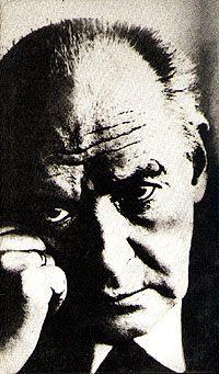 vladimir nabokovs lolita Vladimir vladimirovič nabokov (rus  lolita je dugovala svoje rođenje vladimiru, a život veri nabokov on je nekoliko puta želio spaliti rukopis,.