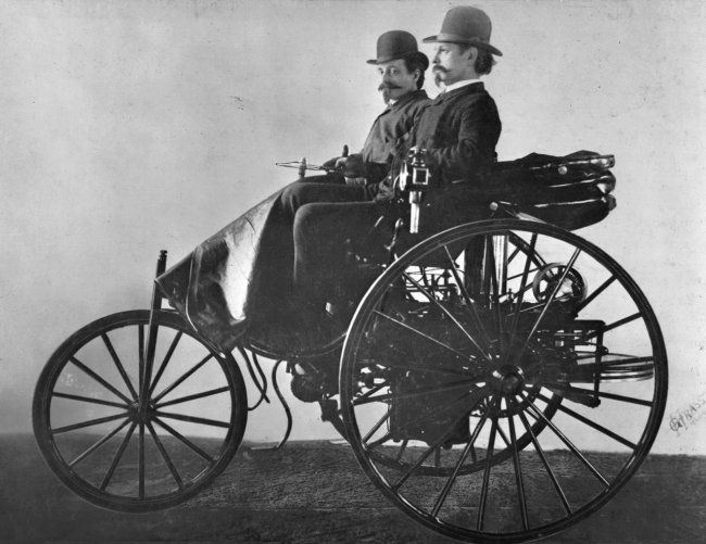 First Car To Use Internal Combustion Engine