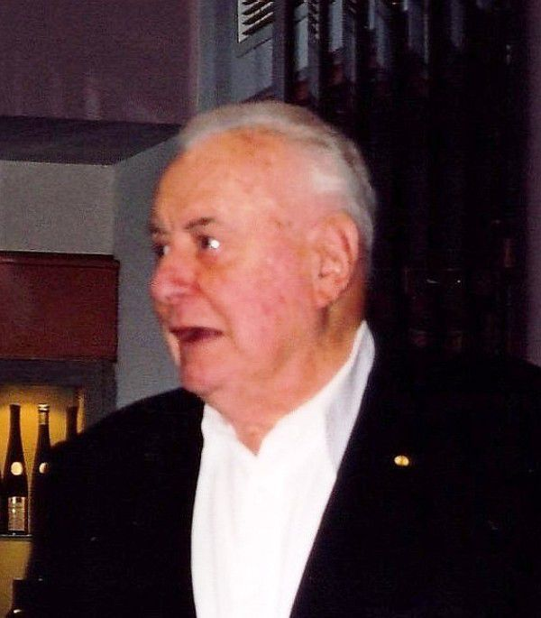 a biography of edward gough whitlam the 21st prime minister of australia Gough whitlam, in full edward gough 1949 until the election of gough whitlam as prime minister in national museum of australia - biography of gough whitlam.